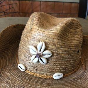 Legitimo Sahuayo cowboy hat with shell detail